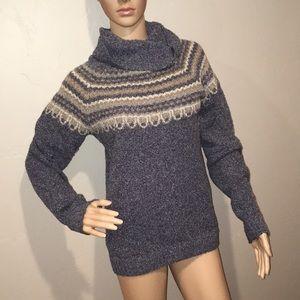 Women's Columbia sweater